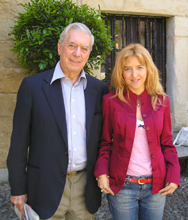 Irene Zoe Alameda with Mario Vargas Llosa during Lessons and Teachers Seminary in Santillana del Mar, in June 2008