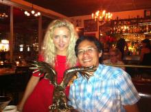 Irene Zoe y el Director de Fotografía Rick López celebran el premio a la Fotografía en el Festival Laguardia, 2011
